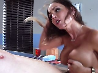 Promiscuous Physician Jessica Jaymes Fucks A Horny Patient