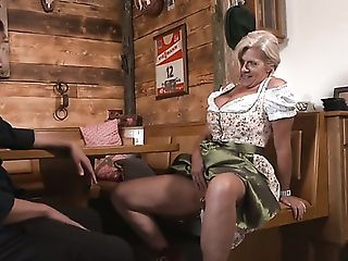 Puckered Auburn Pub Possessor With Pierced Cunt Maria Montana Is...