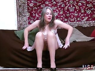 Usawives Provocative Striptease And Awesome Solo