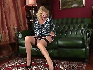 Cougar In Sexy Undergarments Molly Maracas Is Masturbating Her...