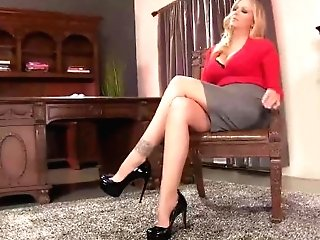 Huge-boobed Cougar Julia Ann Makes Foot Boy Munch Her Feet!