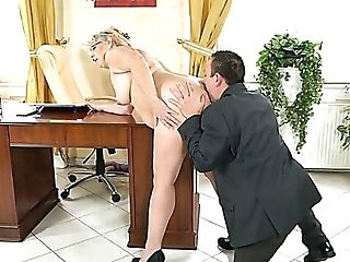 Dirty-minded Matures Housewife Viola Jones Gives Man A Rimjob And...