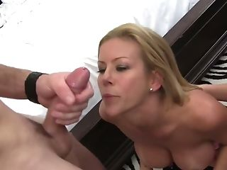 Horny Beau Licks And Fucks Tasty Looking Muff Of Alexis Fawx