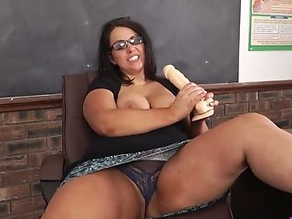 Hook-up-starved Bbw Educator Anna Lynn Is Playing With Absorption...