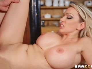 Horny Amber Jayne Gets Her Moist Beaver Eaten And Banged By A Dude