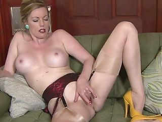 Steamy Matures Takes Off Clothes - Holly Smooch