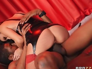 Big-boobed Porn Industry Star Gia Dimarco Gets Fucked In A Leather...