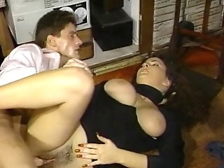 Hot Mummy Gets Fucked By Youthfull Woo