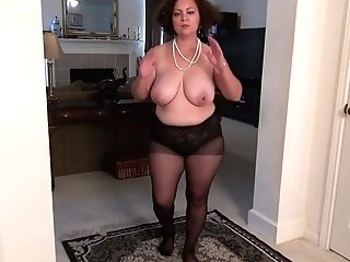 Yankee Mummy Marie Black Will Let You Love Her Poon