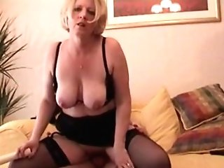 Matures Lady Makes Her Own Pornography Gauze
