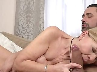 Grannie Gets A Facial Cumshot