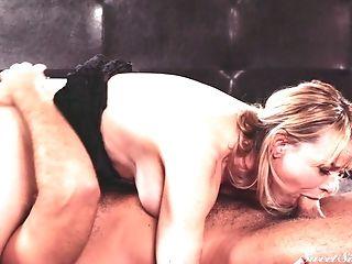 Blonde Matures Super-bitch Dana Dearmond Tempts Her Manager For...