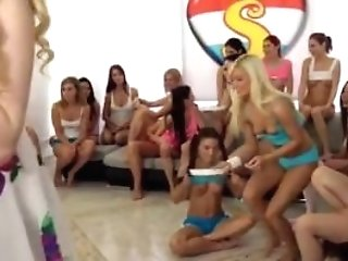 Slow Lezzie Beaver Gobbling And Youthfull Teenager Woman Naked 40...