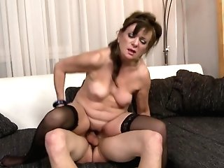 Desperate Housewives Suck And Fuck Youthful Boys
