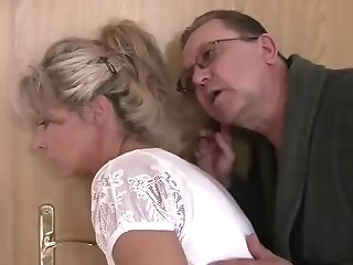 Threesome With A Mom