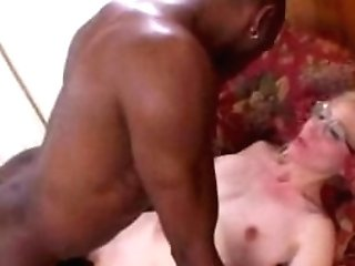 Supersexy Granny Gets Totally Statisfied From Big Black Cock