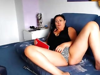 Matures Italian Cougar Demonstrating Cunt On Web Cam