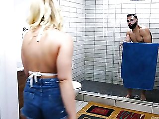Crazy Blonde Beauty Hadley Viscara Rails Dick In The Douche Room