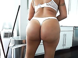 Big Titted Latina Nymphomaniac Julianna Vega Is Blessed To Rail...