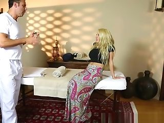 Inked Mummy With Faux Tits Fucked By Masseuse