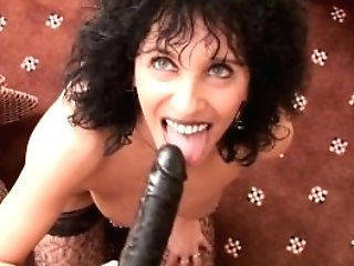 Sweet Matures Hunny Cougar Pumping Herself With Massive Playthings