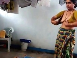 Desi With Hairy Underarm Wears Saree After Bath