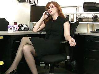 Crimson Haired Bookkeeper Amber Dawn Is Playing With Closeup Poon