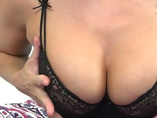 Juggy Blonde Mummy London Sea Taunts With Her Assets And...