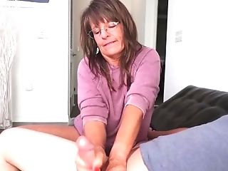 Sexy Step-mom Caught Me Masturbating|1::big Tits,20::mummy,38::hd