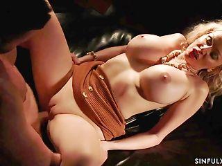 Hot Glamour Cougar Amber Jayne - Sinful Romp Flick