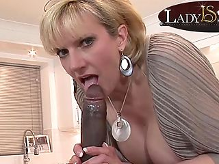 Mommy Lady Sonia Gets A Mouthhole Of Big Black Masculine Stick