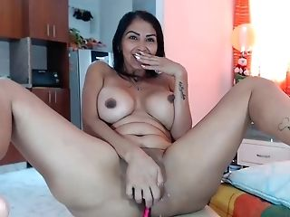 Venezuelan Matures Lady Dildoing Cunt On Tabouret