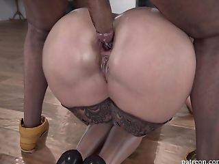 Buttfucking For Hot Blonde With A Big Butt
