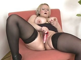 Pallid Big Bottomed Chubby Blonde Matures Housewife Masturbated...