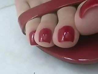 Queen Grazi Sexy Feet In Crimson High-heeled Slippers