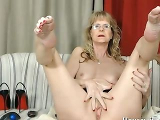 This Granny Is Supah Horny And She Loves Finger-tickling Her Old...