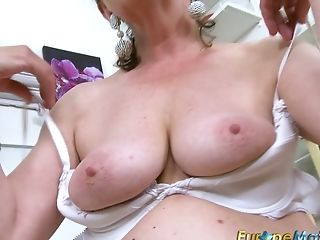 Puckered Matures Whore Sits On The Stool And Luvs Petting Her Raw...