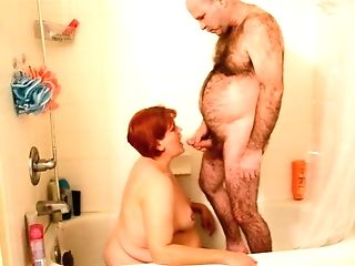 Sharing Urinate With Hubby