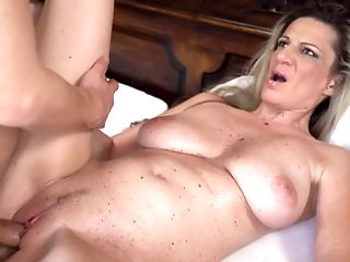 Stunning Matures Woman Deep-throats Youthful Weenie And Gets Humped