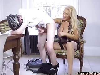 Mom Caught Humping Is Kitchen Having Her four::deep...