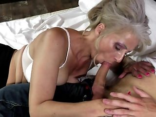 Hot mature mom fucked by youthful not her son