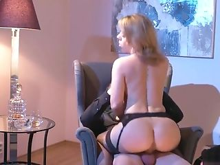 Sexy Cougar In Undergarments Provides Herself To Her Guy's...