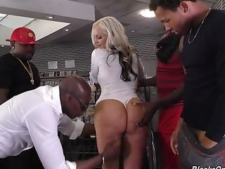 Alena Croft Is Well Versed Into Suck - Interracial Group Sex