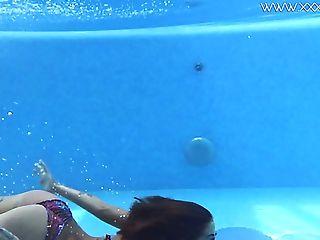 Love Whorey Sporty Swimmer Heidi Van Horny And Her Nude Underwater...
