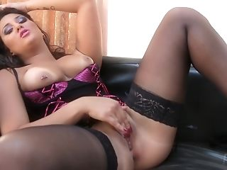 Very Hot Enticing Mummy I´d Like To Fuck Rebecca Pinar