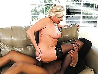 Blonde Matures Whore With Immense Bootie Payton Hall Rails Supah...