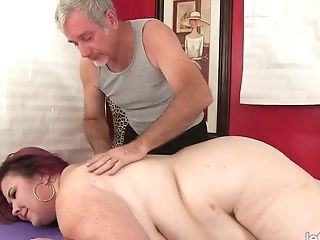 Fat Matures With Meaty Natural Orbs Lady Lynn Receives An Orgasmic...