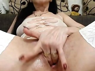 40 Years Old Woman Have Fun With Gash