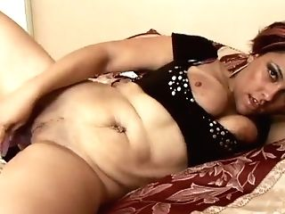 This Cougar Is Prettier Than Most Major Porn Industry Stars And She...