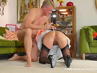 Sexy Maid Mummy Lara Gets Her Vag Pounded On The Floor By Her Manager